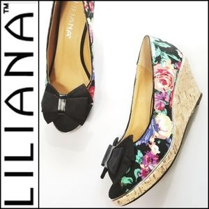 LILIANA Floral Peep Toe Wedge w/ Bow Accent!